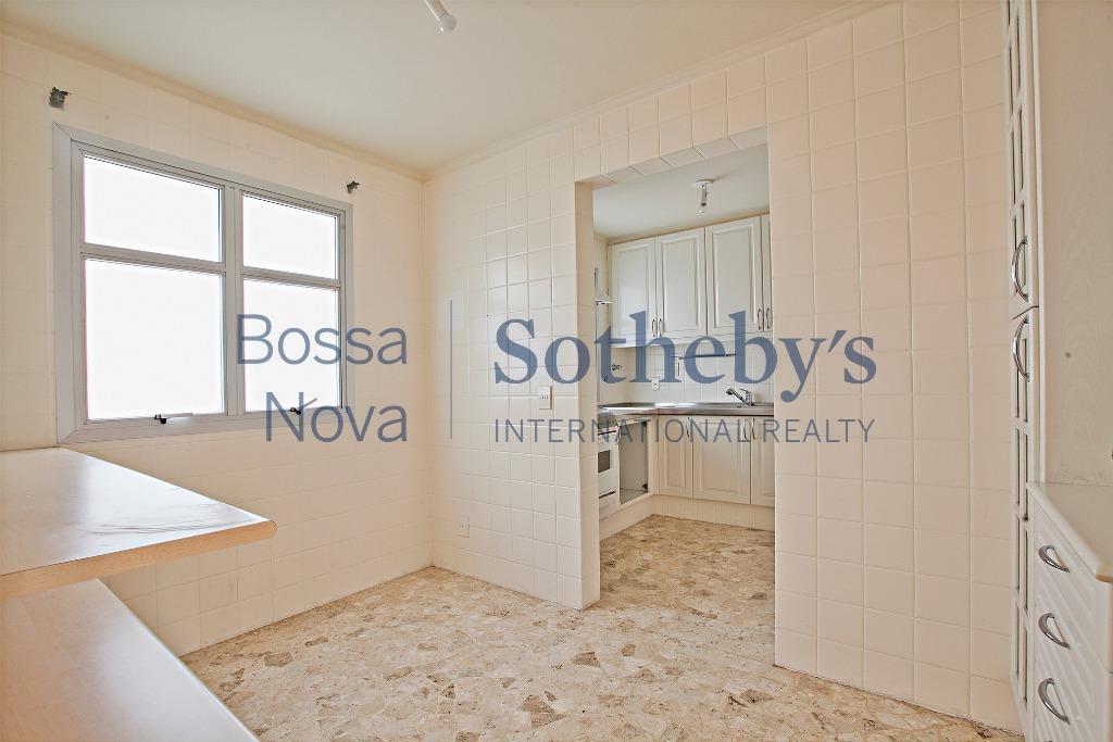 Apartamento com 2 vagas para modernização
