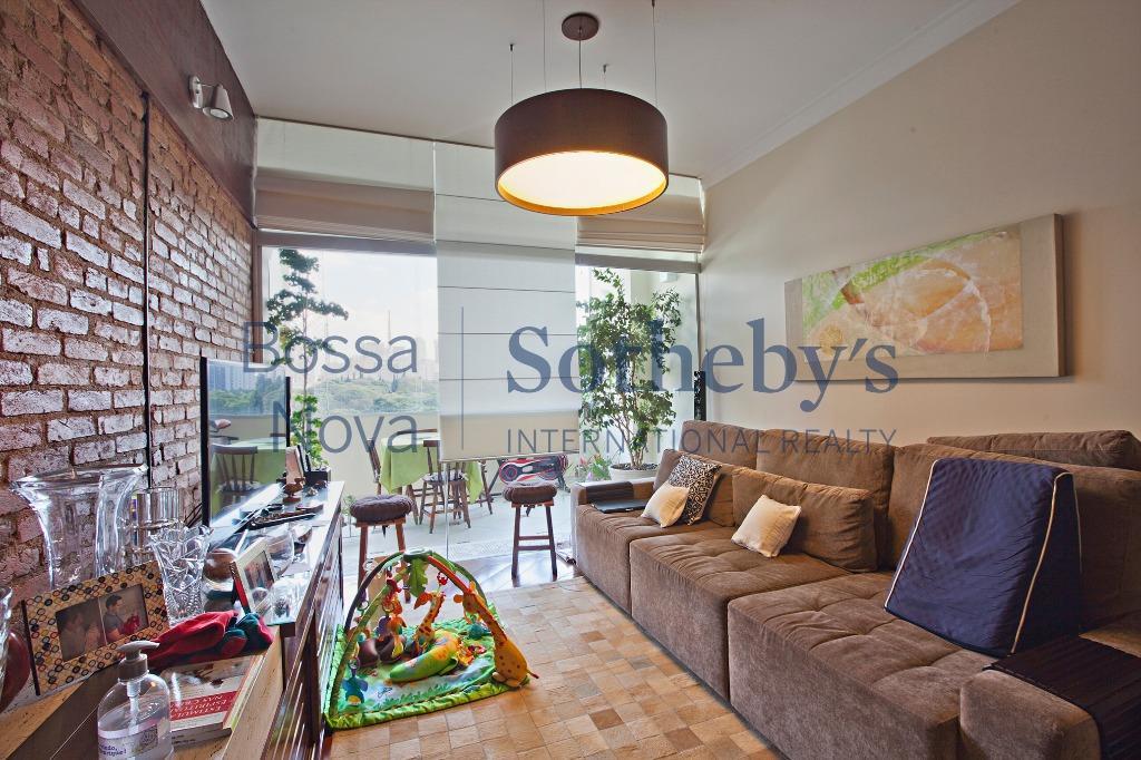 Apartamento descolado com varanda e com vista privilegiada em Higienópolis