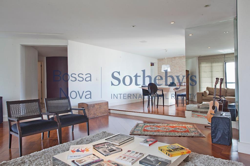 Moderno apartamento totalmente reformado.