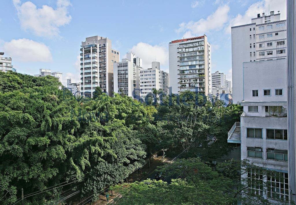 Apartamento em frente ao Parque Buenos Aires.