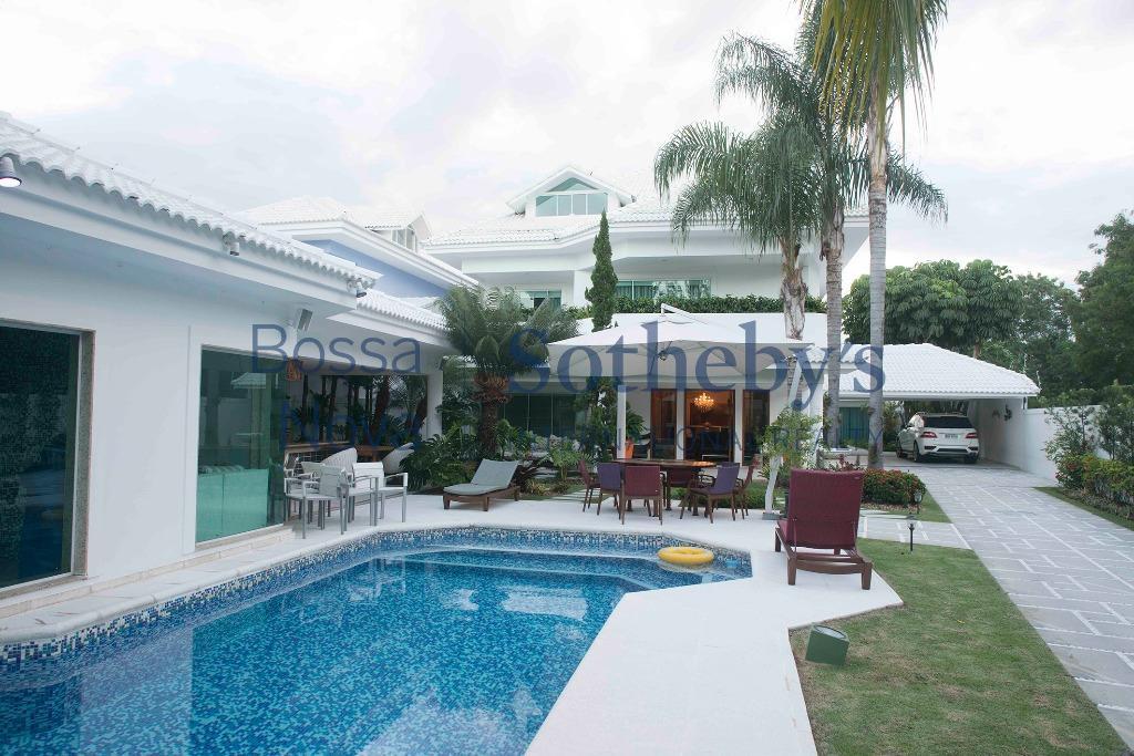 Maravilhosa casa na Barra da Tijuca