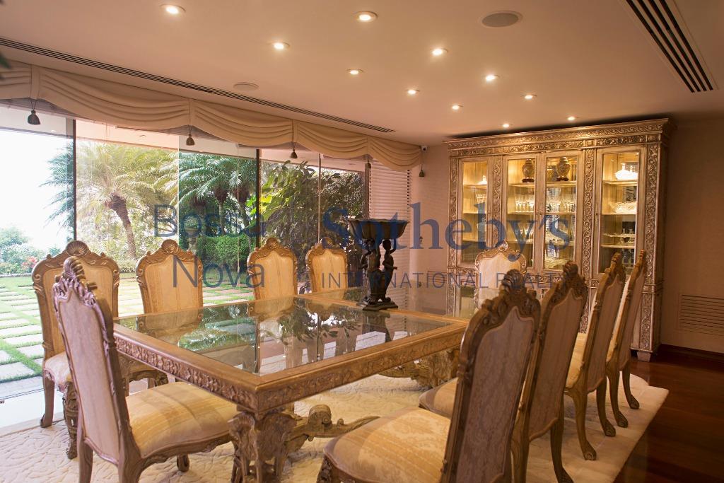 Fantástica casa com linda vista no Joá