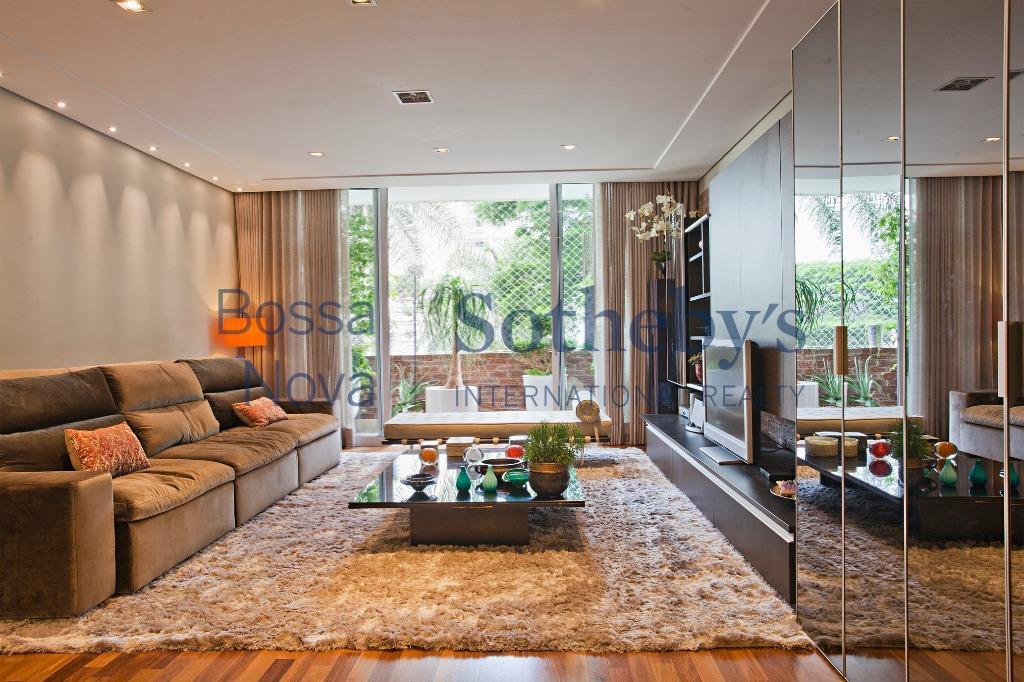 Apartamento super agradável com excelente reforma