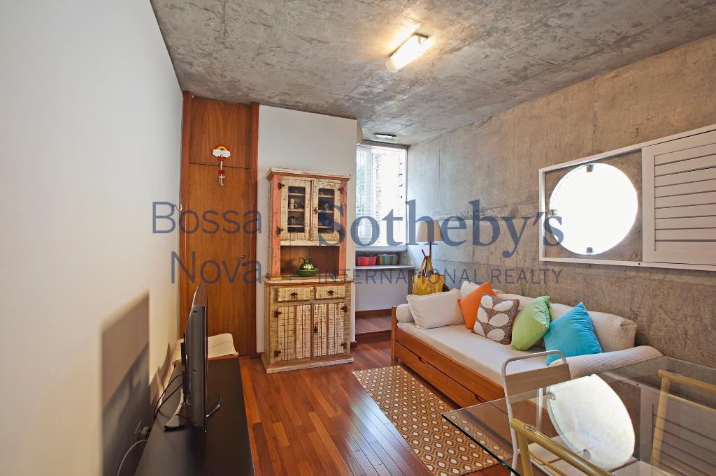 Maravilhosa residencia, em rua sem saída no Alto da Boa Vista!