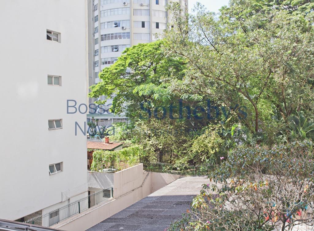 Apartamento em frente ao club Pinheiros !!!!