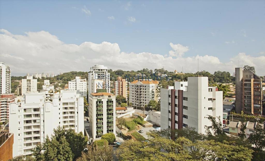 Apartamento Duplex requintado em frente a praça Visconde de Cunha Bueno