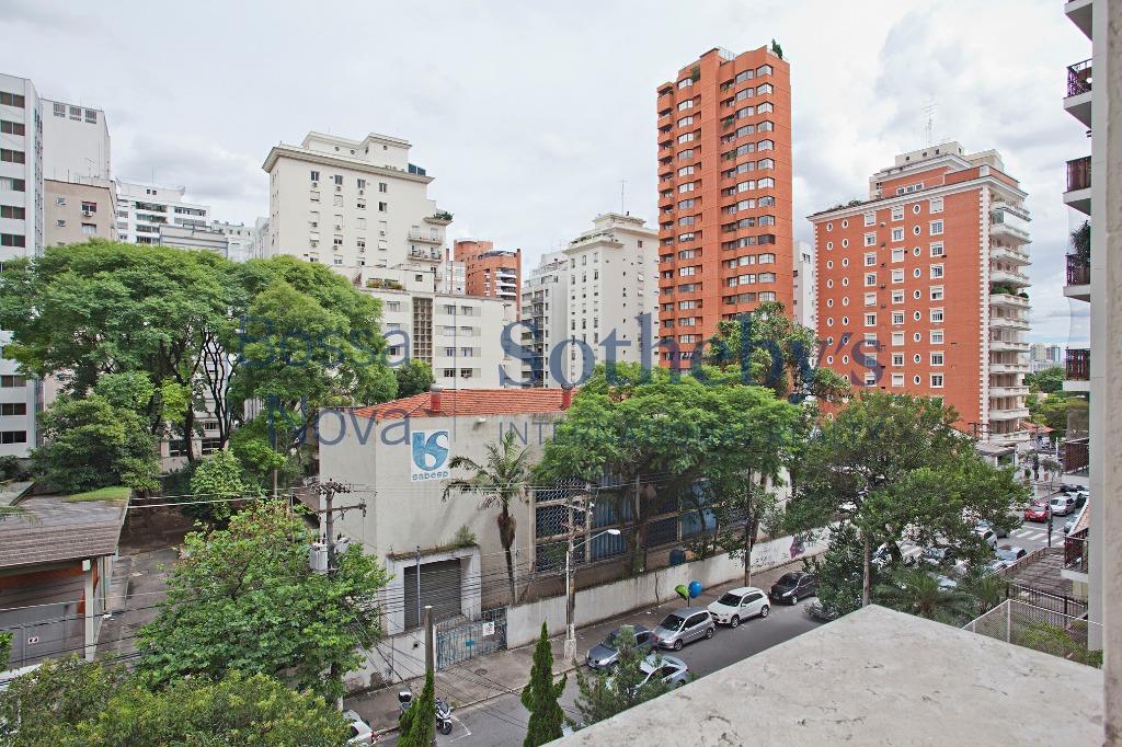 Lindenberg ao lado do Paulistano