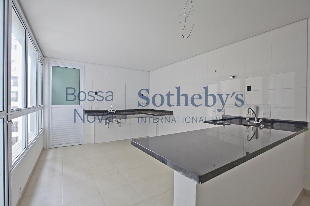 Apartamento em condomínio elegante e moderno.