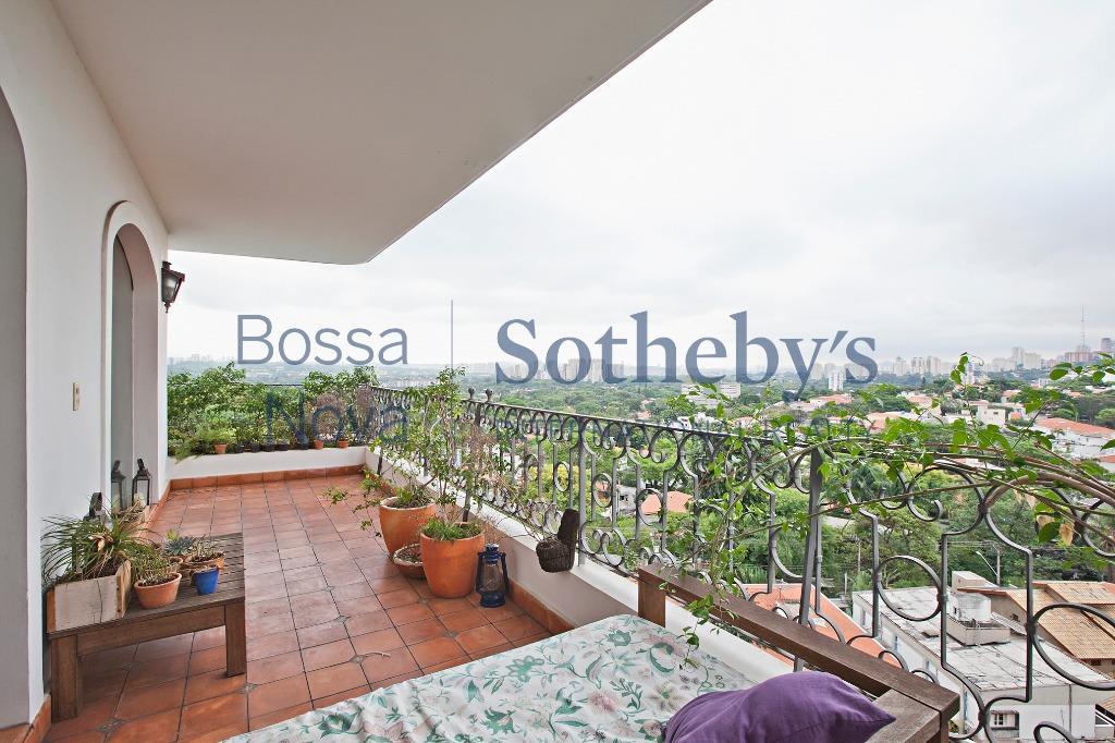 Vista espetacular, amplo apartamento com terraços e vista para o por do sol