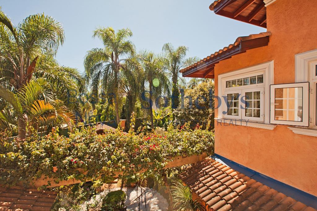 Casa estilo toscano em condominio na Serra da Cantareira, Mairiporã.
