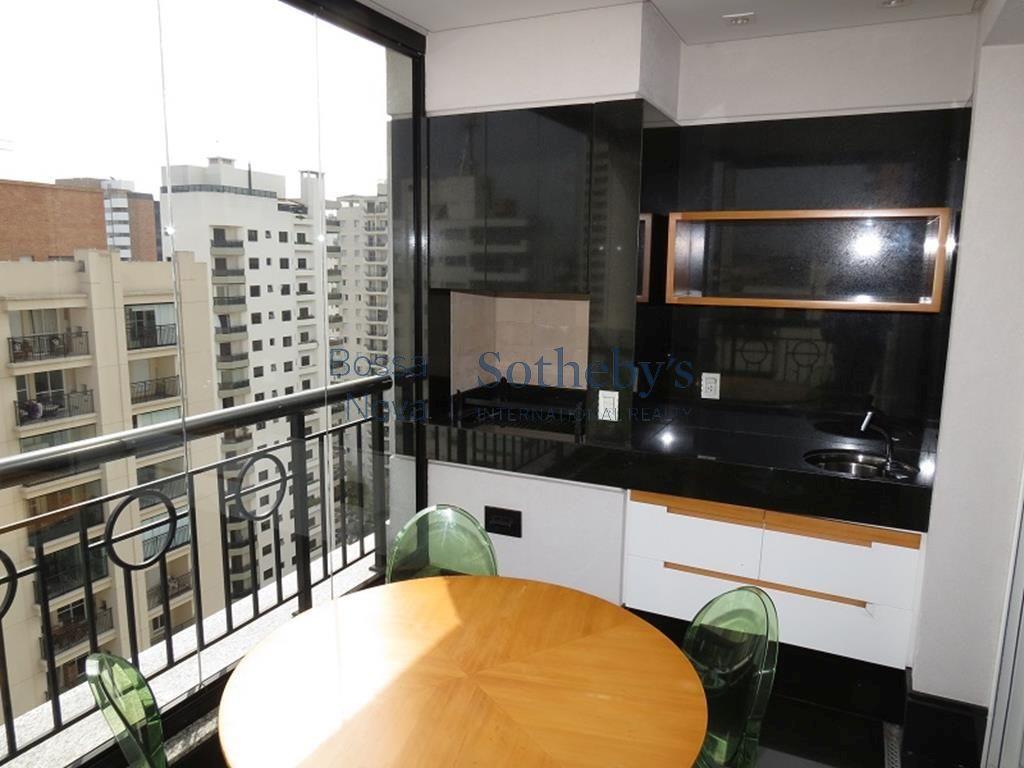Elegante apartamento em condomínio completo