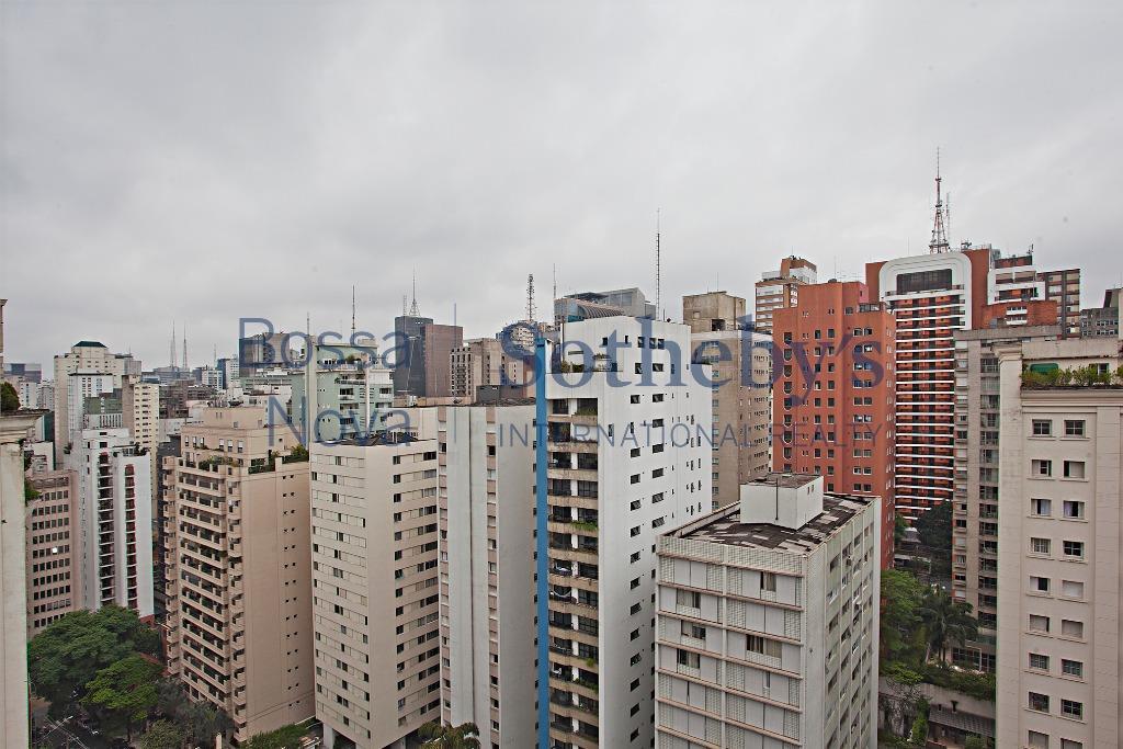 Apartamento espaçoso no Jardim Paulista