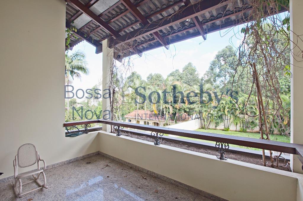 Excelente casa, muito arborizada no Alto da Boa Vista.