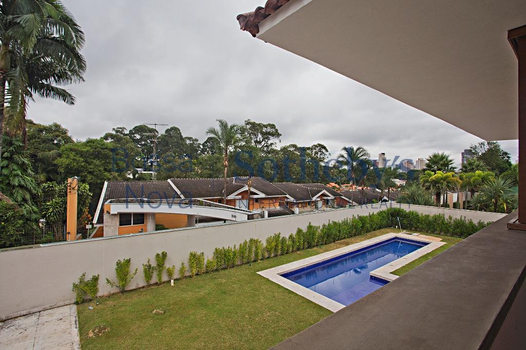 Casa Imponente, em condomínio no Alto da Boa Vista.