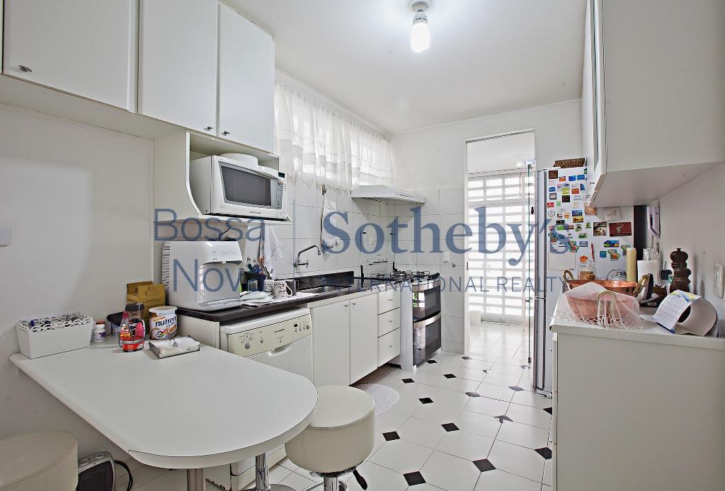 Apartamento reformado no Itaim