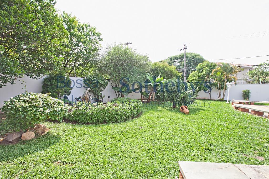 Uma casa e um jardim, combinação perfeita!