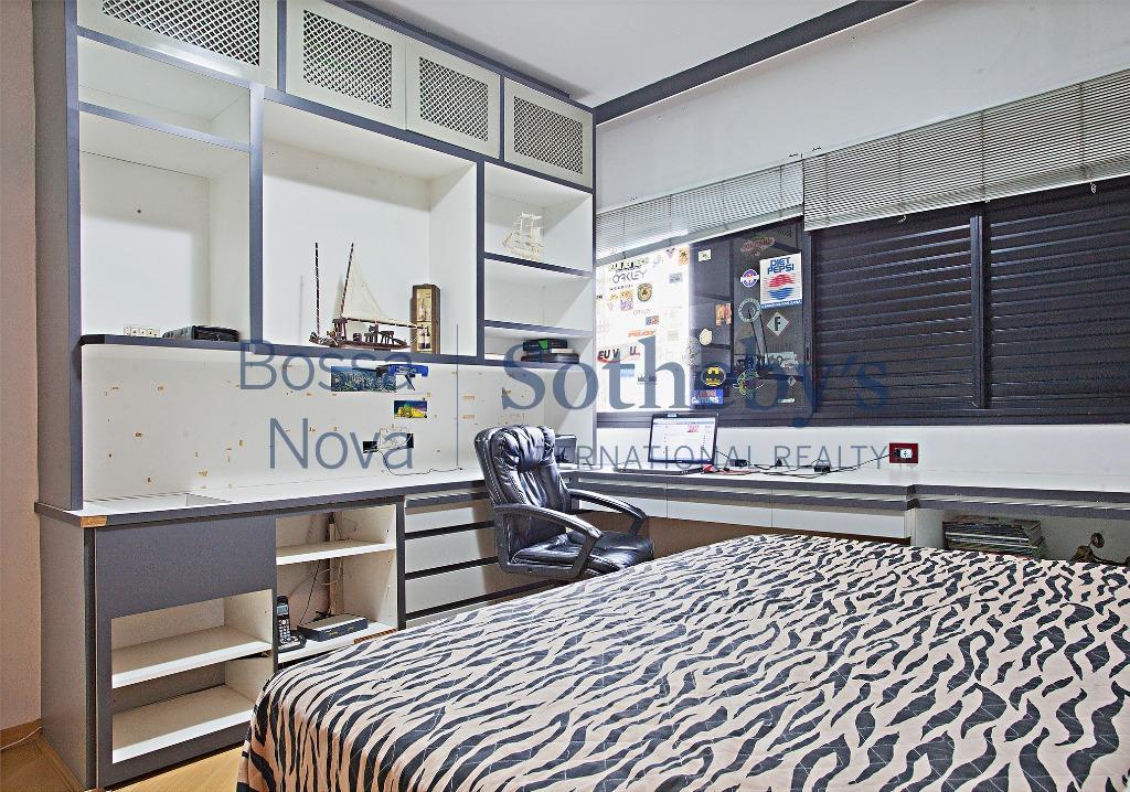 Apartamento com varanda para retrofit