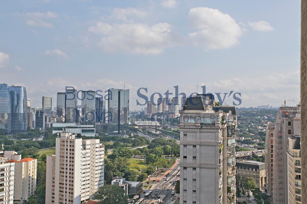Belíssimo apartamento com vista 360 graus, próximo ao Clube Pinhieros