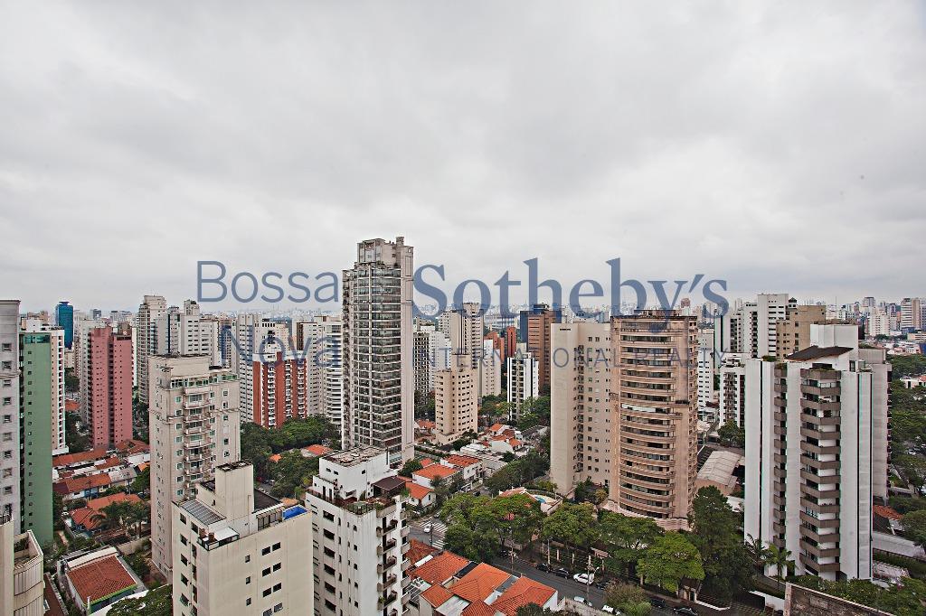Apartamento Triplex reformado pelo arquiteto Roberto Migotto  , São Paulo - AT0015.