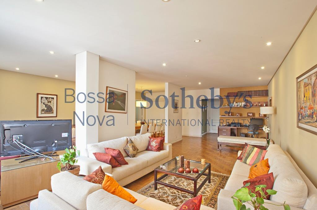 Apartamento na Oscar Freire maravilhoso.