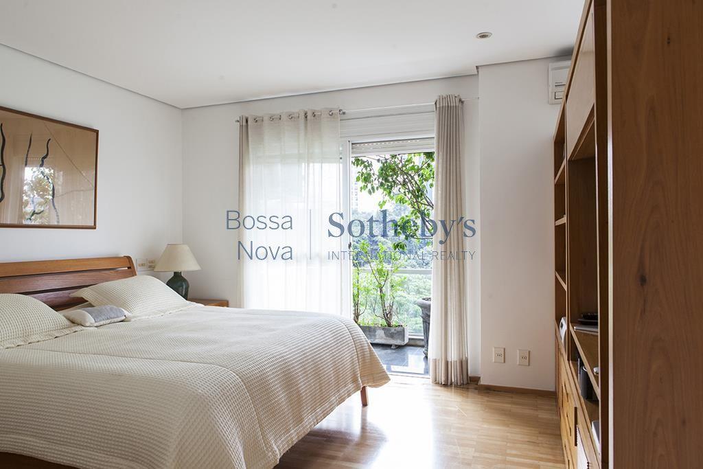 Belíssimo apartamento em condomínio exclusivo, vista espetacular para mata, ao lado do Parque Burle Marx, Panamby, São Paulo.