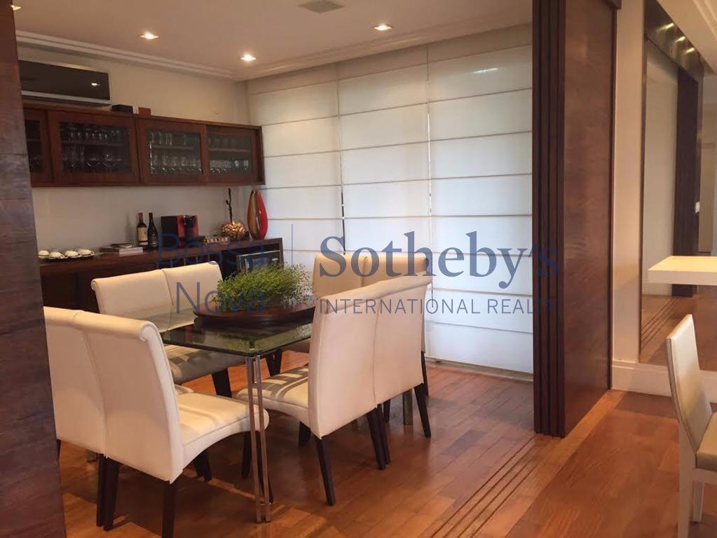 Belíssimo apartamento mobiliado, condomínio com lazer completo