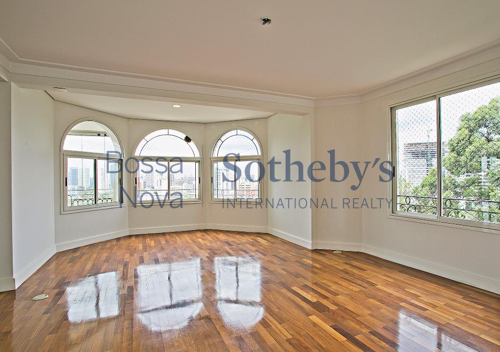 Elegante apartamento com linda vista