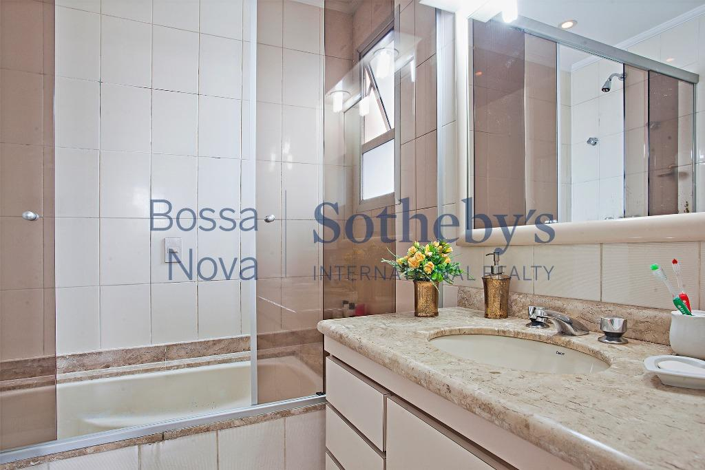 Maravilhoso apartamento residencial à venda em localização privilegiada em Moema Pássaros!.