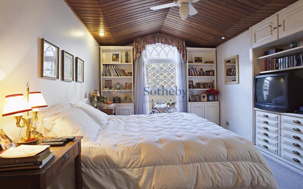 Casa de 3 dormitórios em Ibirapuera, São Paulo - SP