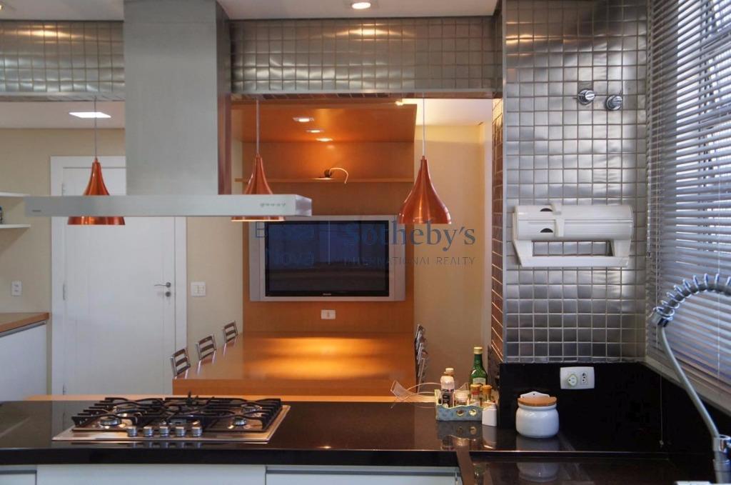 Apartamento reformado na região da Paulista