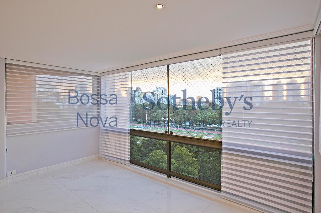 Apartamento maravilhoso com vista para o Clube Pinheiros.