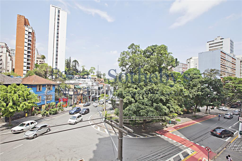 Vista para praça Vilaboim