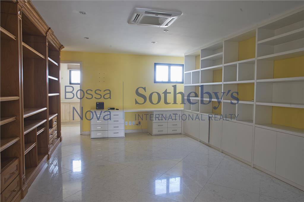 espaço, modernidade e conforto em apartamento duplex.