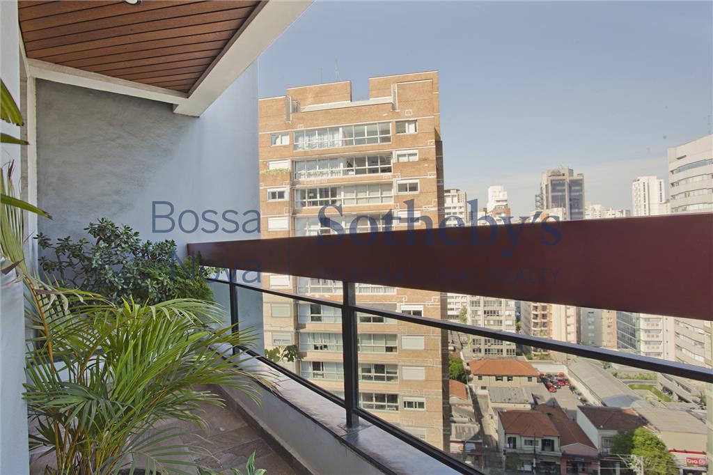 Ótimo apartamento com lareira e terraço