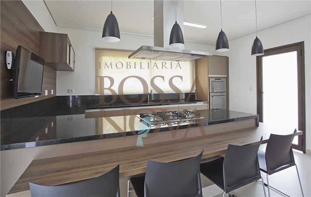 Casa nova com espaço gourmet.