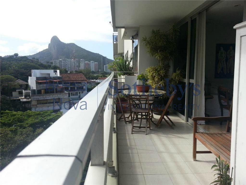 Deslumbrante vista para a mata com muito conforto e silencio. Rio de Janeiro.