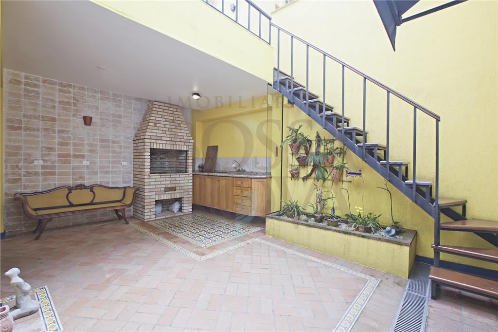 Casa de 4 dormitórios em Pinheiros, São Paulo - SP