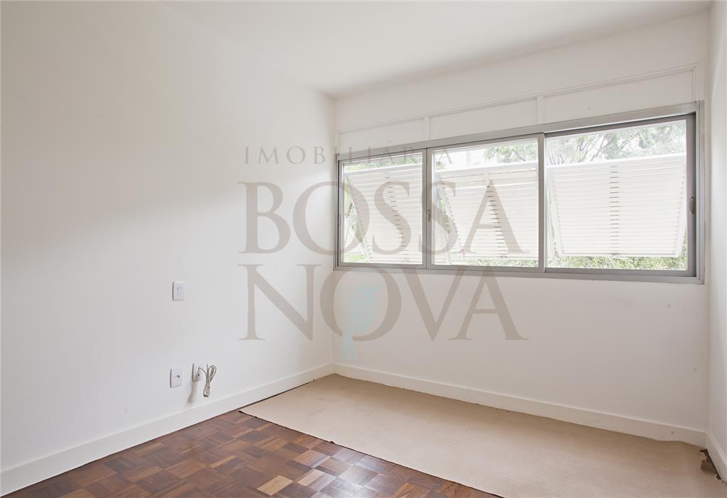 Apartamento com reforma total ao lado do Clube Pinheiros