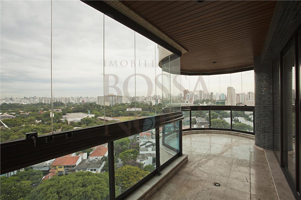Apartamento com vista para o verde próximo ao clube Monte Líbano