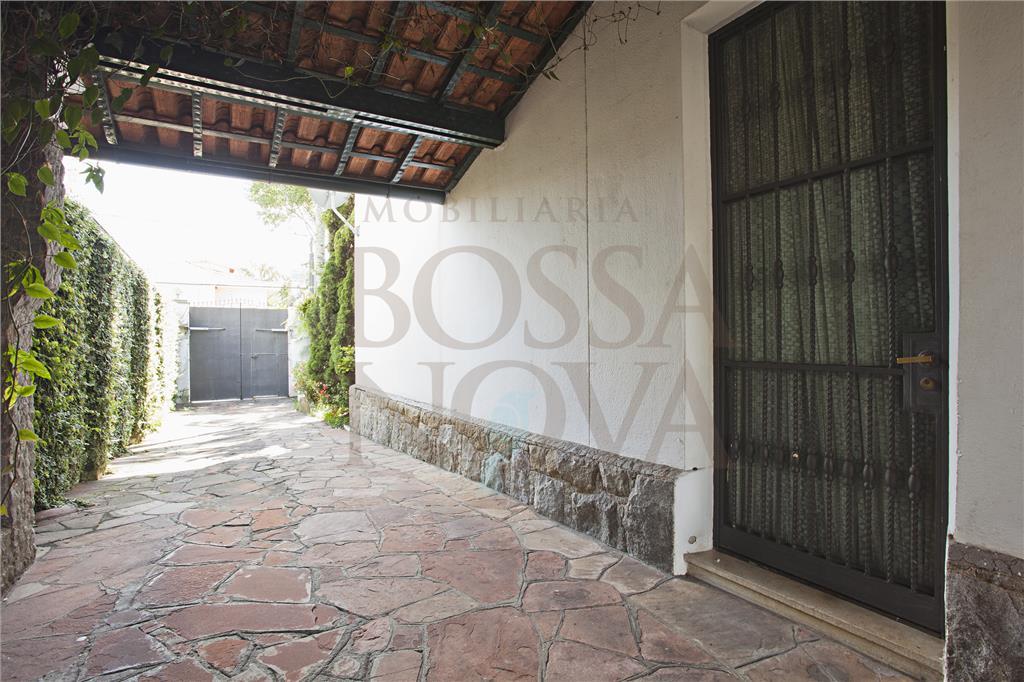 Casa em terreno espetacular próximo Pq Ibirapuera