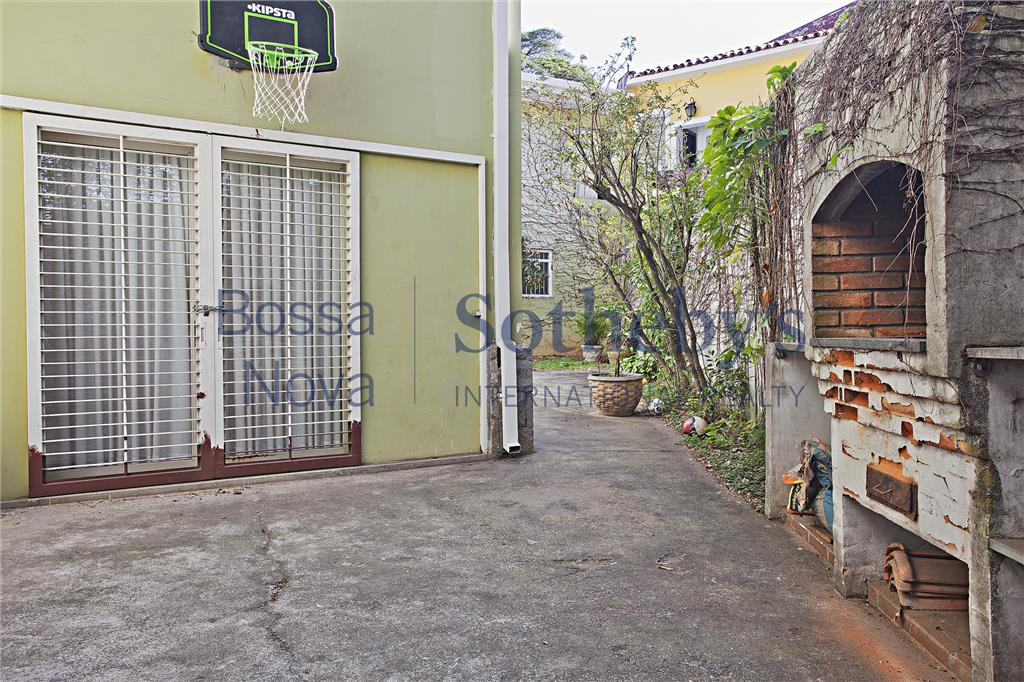 Casa gostosa na Vila Madalena, reformada, muito ensolarada.