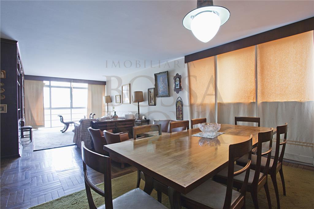 Apartamento sendo totalmente reformado em local privilegiado