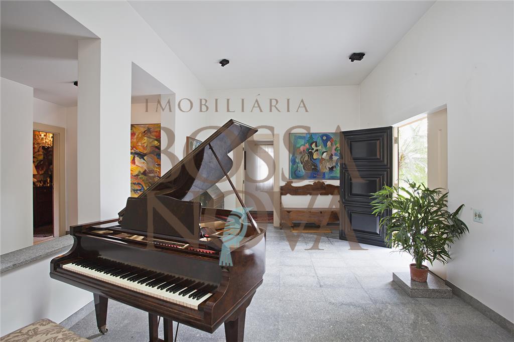 Casa linda e ensolarada no condominio São Fernando
