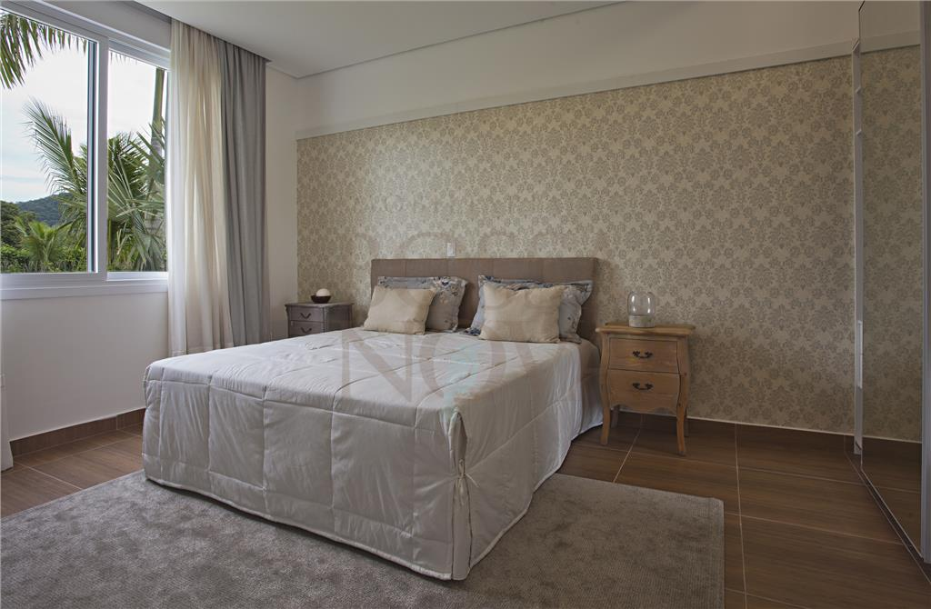 Casa de 6 dormitórios à venda em Acapulco, Guarujá - SP