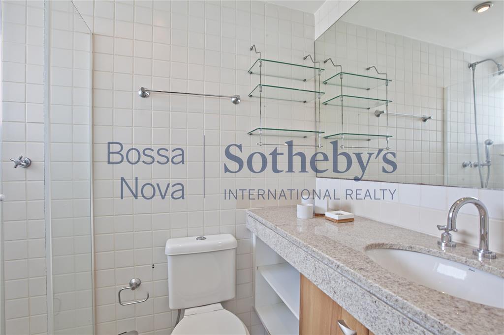 Excelente empreendimento ,moderno ao lado do Parque Ibirapuera! Apartamento duplex com pé direito duplo .