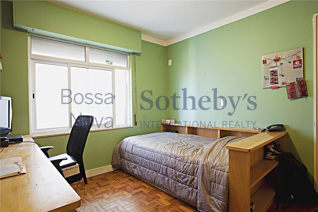 Apartamento à venda no Jardim Paulista, reformado, com vista e 3 vagas