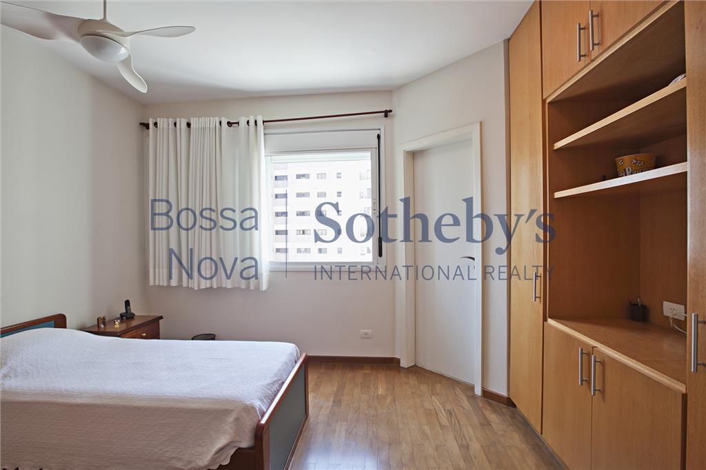 Apartamento  residencial à venda, ótima localização em Moema