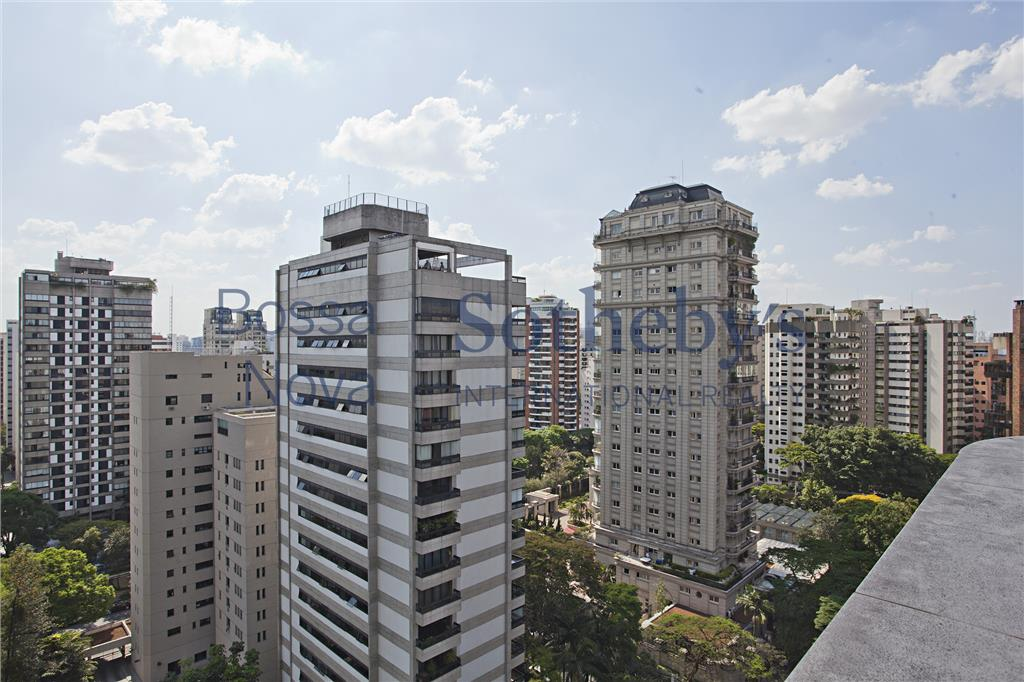 Cobertura Duplex a uma quadra da Praça Pereira Coutinho