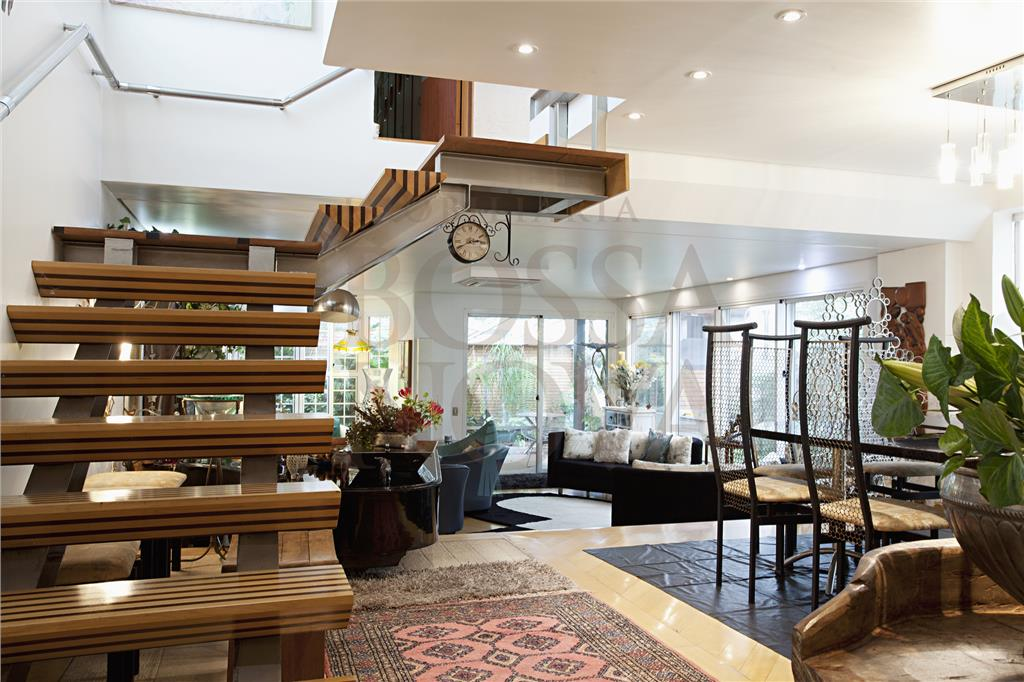 Casa em condomínio - localização privilegiada