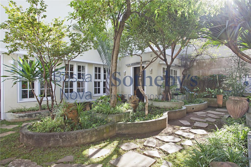 living integrado ao jardim